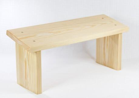 Drewniany klęcznik  (1)